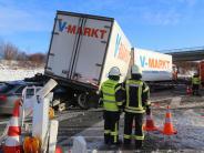 Unfall: Frau läuft auf die A 96: 53-Jähriger stirbt