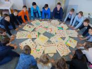 Aktion: Türkheimer Kinder packen auch Liebe in ihre Hilfs-Rucksäcke
