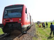 Unterallgäu: Auto von Zug mitgeschleift