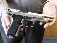 Unterallgäu: Junger Mann zückt nach Beinahe-Unfall Waffe