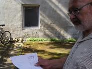 Streit um Fenster: Anton Vogl versteht die (Türkheimer) Welt nicht mehr