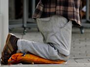 Bettler in Mindelheim: Der Kniefall vor dem Reichtum