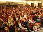 Festival der NationenMindelheimer Zeitung: Kinder hauen auf die Pauke