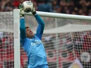 Fußball: Adler akzeptiert seine Rolle hinter Nummer eins