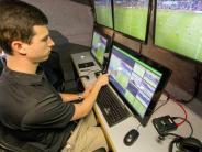 Löw offen für neues System: Infantino wirbt für Video-Referee