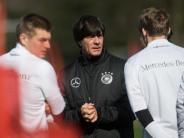 Lob für Führungskräfte: Löws Ruckrede: «WM-Titel ist mein Ziel»