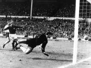 Von Wembley bis Bloemfontein: Acht legendäre Duelle zwischenDeutschland und England