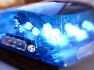 Elchingen: Unfall auf A8: Auto überschlägt sich