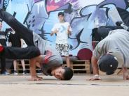 Ulm: Breakdance in Ulm: Auf dem Boden hoch hinaus
