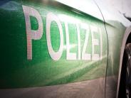 Erbach/Ulm: Exhibitionisten in Zug und an Bushaltestelle