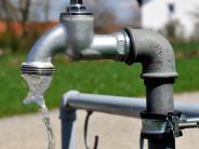 Politik: Wasserversorgung: Wer dreht den Geldhahn auf?