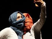Tanztheater: Den Taliban die Stirn geboten