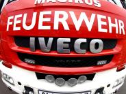 Nördlinger Polizeibericht: Feuerwehr löscht Autobrand