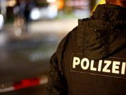 München: Gruppe Männer bedrängt Frau in S-Bahnstation