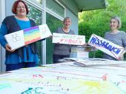 Ulm: Weiblicher Fingerzeig gen Himmel