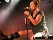 Ulm: Marta rockt die Bühne auch mit Gips