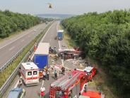Langenau: Lastwagen-Crashauf der A7: Zwei Verletzte und 80000 Euro Schaden