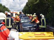 Langenau: Nach Unfall auf der A7: Auto kracht in Stauende