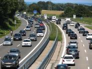 Landkreis Neu-Ulm: Auffahrunfall mit sieben Verletzten auf der A7