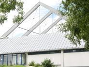 Neu-Ulm: Marodes Dach derEissporthalle: