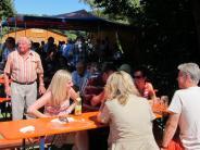 Feier: Bier und Blasmusik beim Stadelfest