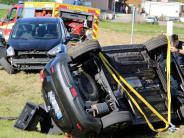 Aufheim: Auto überschlägt sich und landet im Graben