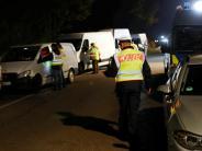Kontrolle auf B28: Verdächtige Transporter im Visier der Polizei
