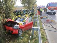 Ulm: Autofahrerin bei Unfall auf der B30lebensgefährlich verletzt