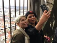 Ulm: Popstar Anastacia grüßt vom Münster