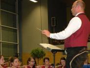 Neuburg: Höhenflug der Blasmusik