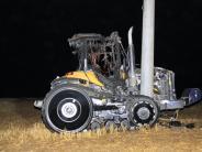 Adelschlag: Raupentraktor brennt aus