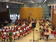 Neuburg: Blasmusik statt Kanapee