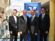 Neuburg/Rain: Intrige: Banken-Fusion soll kippen