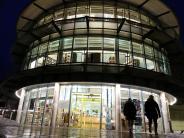 Neuburg: Bücherturm: Neu beleuchtet und verschlankt