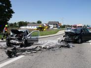 Unfall: Autofahrer wird lebensgefährlich verletzt