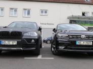 Neuburg: Große Autos, kleine Lücken