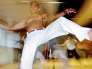 Neuburg: Capoeira, Kunst und Kuchen