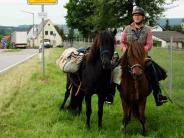 : Opa reitet für seinen Enkel 550 Kilometer