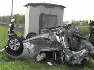Rain/Neuburg-Schrobenhausen: Auto kracht gegen Lok