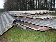 Rohrenfels: Umweltfrevel: Unbekannte entsorgen Eternitplatten auf grüner Wiese