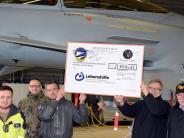 Neuburg: Namenszüge prangen an Eurofightern
