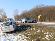 Unfall: Zeller Kreuzung: Viel Schrott, aber nur Leichtverletzte