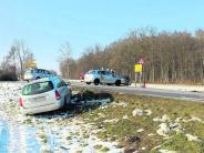 Unfall: Viel Schrott, aber nur Leichtverletzte
