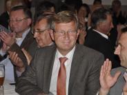Bezirkstag: Peter Schiele folgt auf Alois Stadler