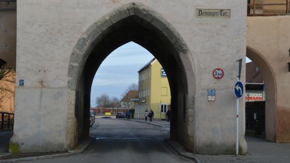 Verkehr: Debatte um 90 Meter Straße - Augsburger Allgemeine