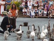 Nördlingen: Gänseherde begleitet Gauklerkönige