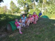 Ferien: Kinder gestalten ihren Spielplatz