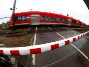 Kreis Traunstein: Regionalzug mit 75 Schulkindern an Bord rammt Auto