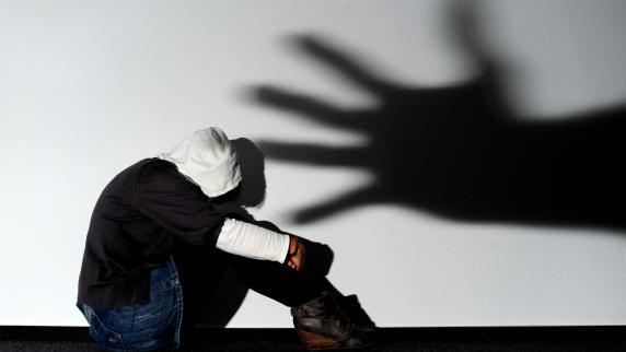 Syrští studenti napadli řetězy své německé spolužáky