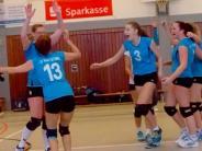 """Volleyball: Jubel nach dem Sieg im """"Sechs-Punkte-Spiel"""""""